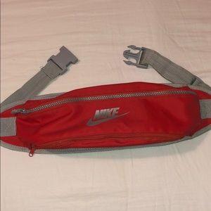 Vintage Nike fanny pack